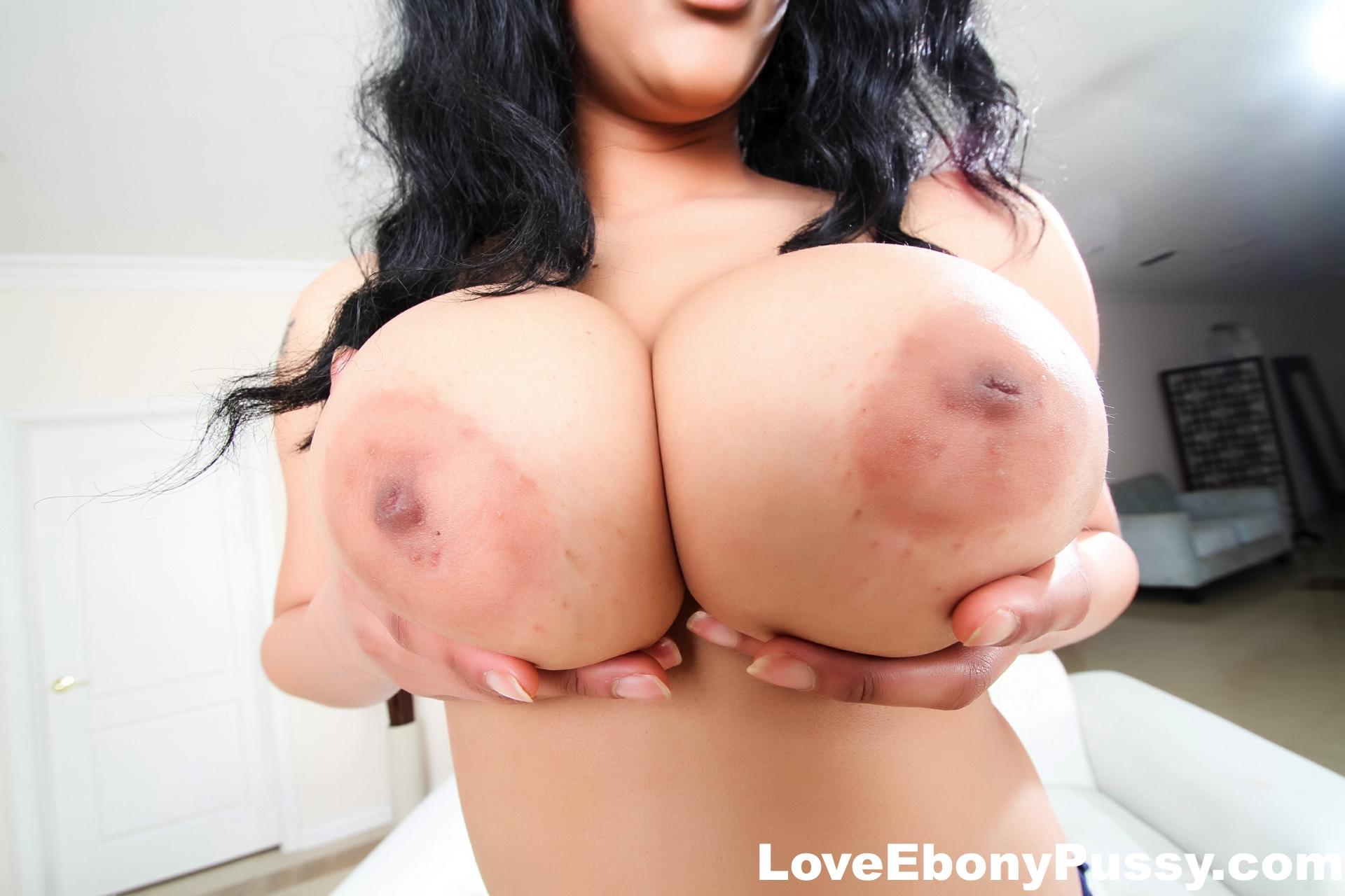 Busty hot babe gets an orgasm 9